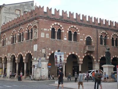 Casa dei Mercanti Verona