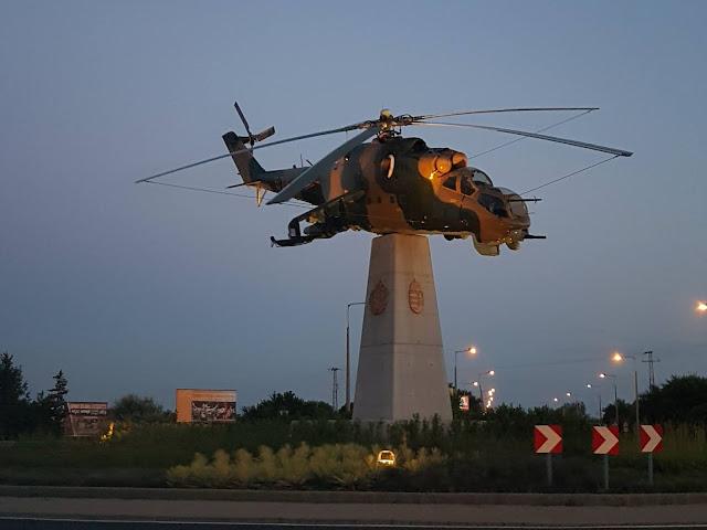 Helikopter na rondzie w Szolnok