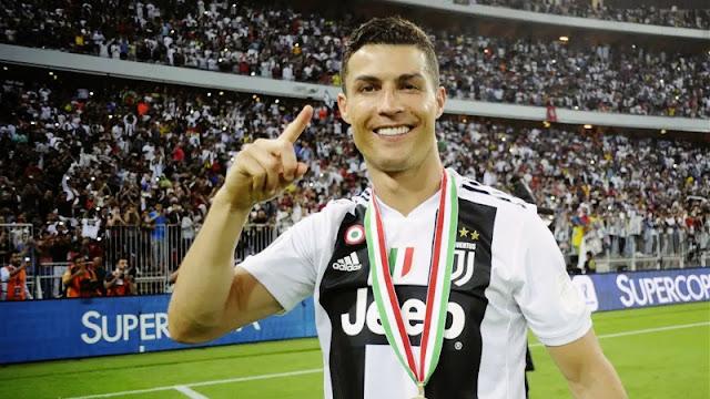 كريستيانو رونالدو هو أول لاعب في تاريخ الدوريات الـ5 الكبرى يتمكن من تسجيل 450 هدف