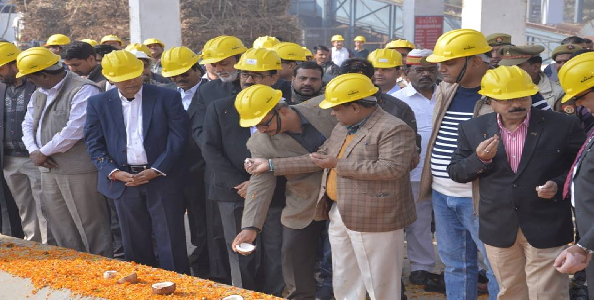 Hariyawana-sugar-mill-ke-naye-peraii-project-ka-ADM-ne-kiya-shubharambh