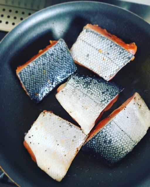Tacos de salmón al chipotle