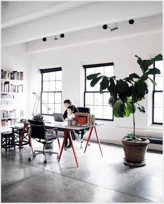 Ruang kerja dengan ruang yang luas