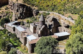 El Monasterio de Geghard en Armenia