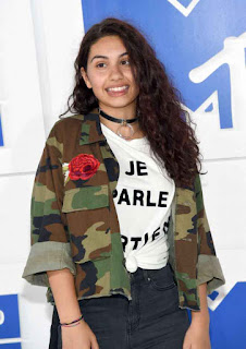 Alessia Cara %E2%80%93 MTV Video Music Awards in NYC 2.jpg