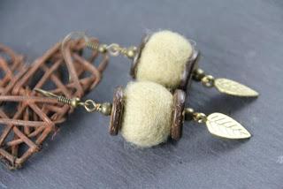 boucles d'oreilles laine