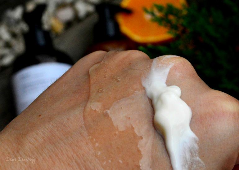 Naturalna pielęgnacja ciała z Evolve Organic Beauty - Luksusowy duet do dłoni i ciała z aromatyczną afrykańska pomarańczą i drewnem cedrowym - recenzja