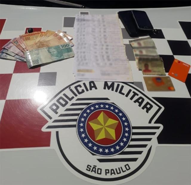Dupla é presa após tentar descontar cheque falso de quase R$ 3 mil em agência bancária de Pacaembu