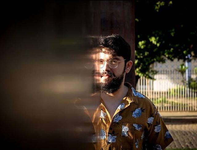 "Murilo Abrita, cantor e compositor mineiro, lança novo single: ""Calma"""