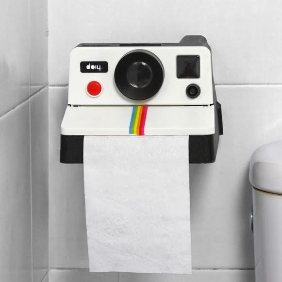 Porta papel higi nico polaroid decora o e ideias - Dove mettere il porta carta igienica ...
