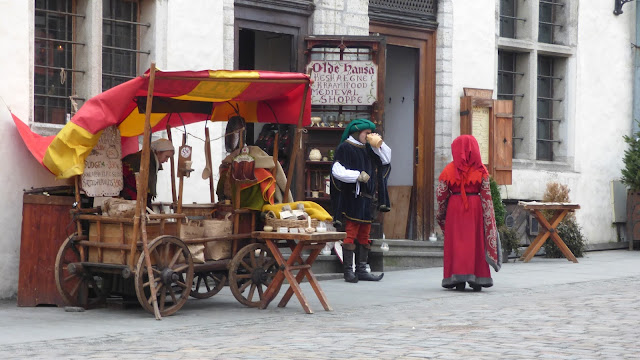 The medieval performance outside Olde Hansa, Tallinn Old Town