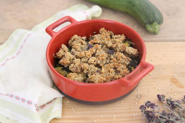 Crumble de courgettes au quinoa et au thym (vegan)