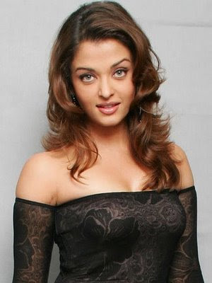 Hot Babe Aishwarya Rai's High Quality Wallpapers