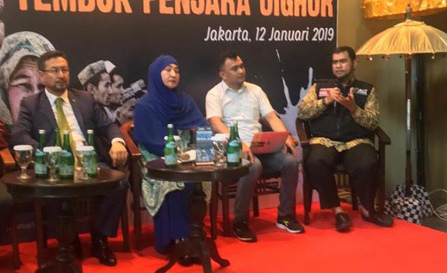 Etnis Uighur Dilarang Sholat