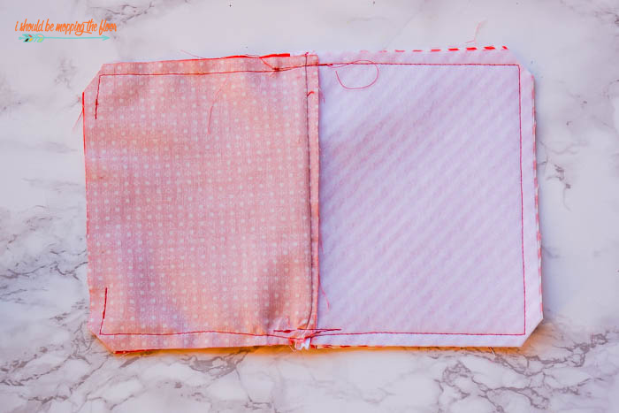Lined and Zippered Small Cosmetic Bag Tutorial from start to finish. These are the perfect bags to take everywhere!