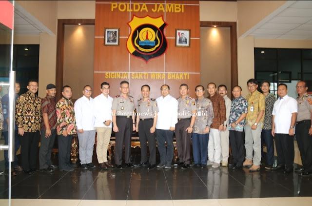 Kegiatan Silaturahmi Serta Audiensi Dari Tim SKK Migas Diterima Langsung Oleh Kapolda Jambi