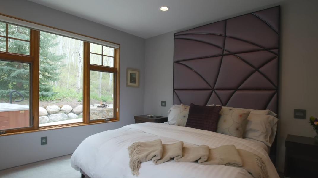 36 Photos vs. Tour 1418 Vail Valley Dr W, Vail, CO Luxury Home Interior Design