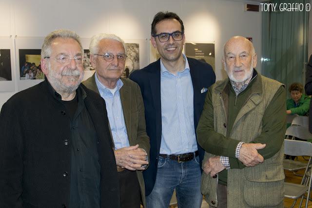 Tre fotografi intervistati da Matarazzo
