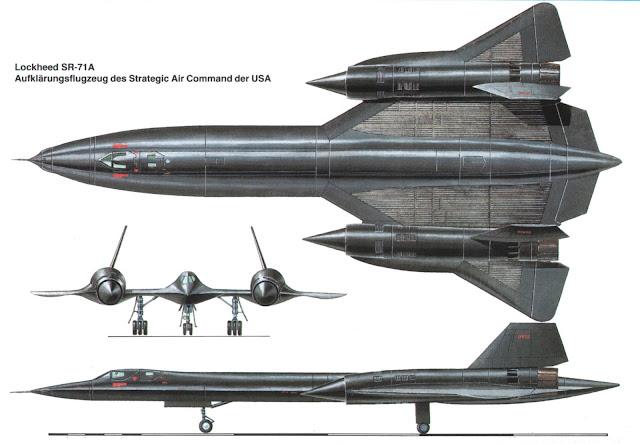 """Lockheed SR-71 """"Blackbird"""" kanatlar üzerinde ve altında ısı transferi yüzeyini arttırmak sebebiyle radyatör yüzeyleri oluşturulmuş."""