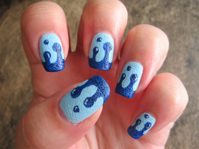 Blue Dripping Nails