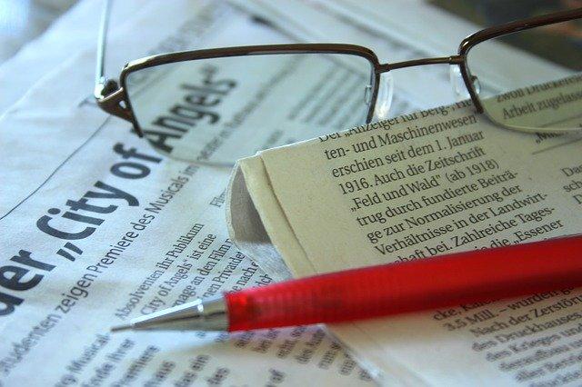 Teks Editorial Pengertian Jenis Tujuan Sifat dan Karakternya