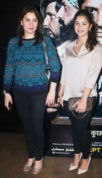 Anjali daughter Sara Tendulkar look-alike