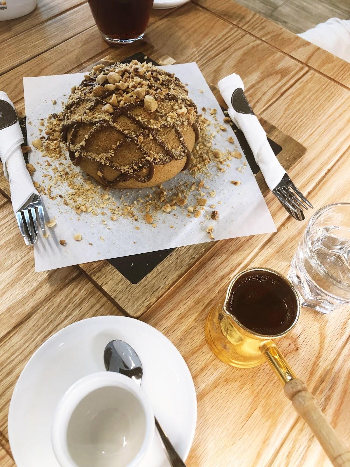 Signature-Bun-Pappa-Roti-Dessert-Dubai