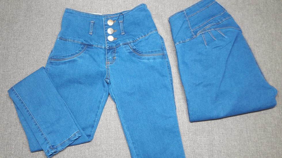Jeans Color Azul Claro visto de Frente