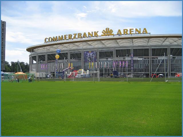 Merzbank Arena Geldautomat, Merzbank Arena Justin Timberlake, Merzbank Arena Otto Fleck Schneise, Merzbank Arena Sitzplan, Merzbank Arena Wie Viele Leute