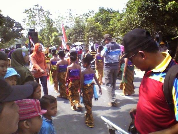 SDN Binangun III Pada Festival Karnaval Kecamatan Singgahan 2014