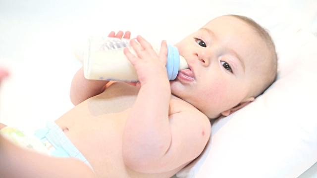 Susu Terbaik Pastinya Lengkap 4 Kriteria Ini!