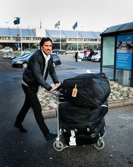 Here Lands Henrik Lundqvist 30 On Swedish Soil The World S Best Hockey Goalie Is At Home In Gothenburg I Will Have A Discussion With Frölunda