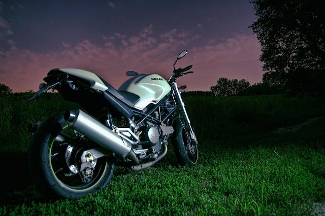 DINAMO: Motocicletas: Una rodada de noche