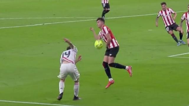 جدل حول استحقاق ريال مدريد ضربة جزاء أمام أتلتيك بلباو
