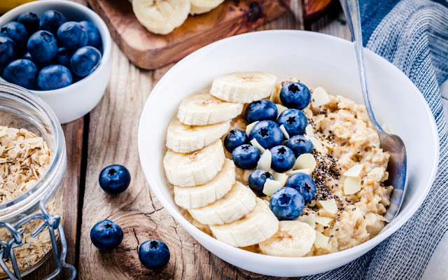 Why the oatmeal diet is perfect for weight loss