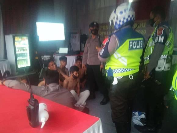 Anggota Geng Motor XTC Cianjur Diamankan Polisi Menemukan Alat Isap Sabu Di Dalam Tas