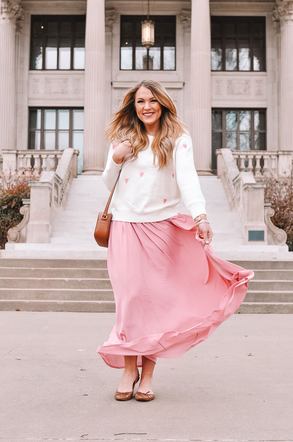 Blogger Amanda's OK Shares ideas on what to wear for Valentine's Day