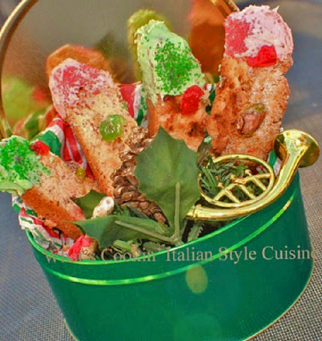 biscotti colorful in green and red for christmas with cherries