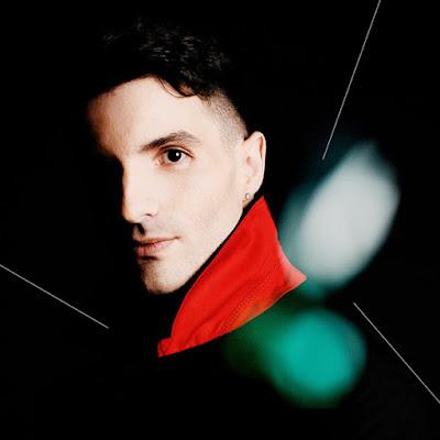 """Louis Arlette présente le clip de son single """"L'Ange"""", un morceau fidèle à l'univers intimiste de l'album."""
