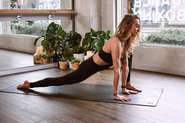 Some basic facts of yoga for beginners