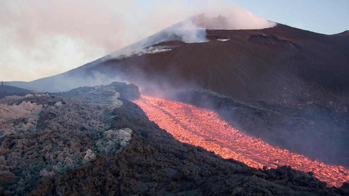 Eruzione dell'Etna in fase di raffreddamento