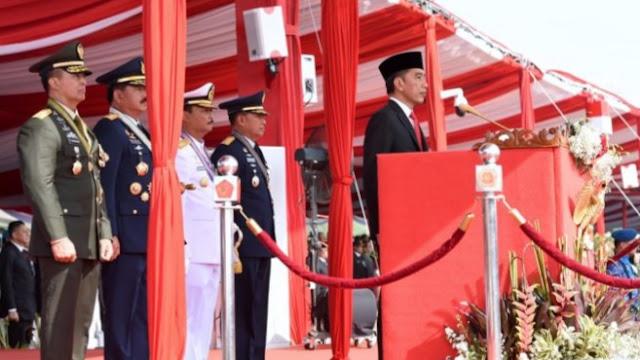 Presiden Jokowi Sampaikan Tiga Pesan Kepada TNI di HUT ke-74