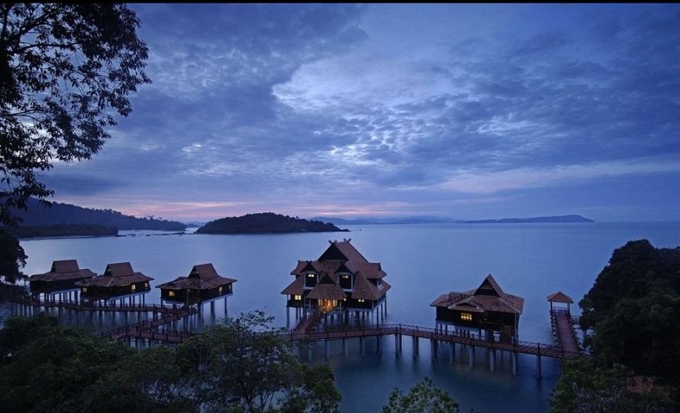 berjaya langkawi resort, chalet terapung, kampung air, suite atas air,kluster covid langkawi