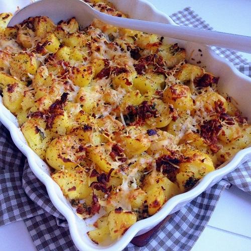 gratinierte Matschkartoffeln mit Knoblauch, Parmesan und Bacon