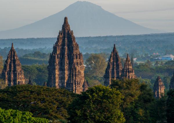 Wisata sebagai Alat Penguat Ekonomi