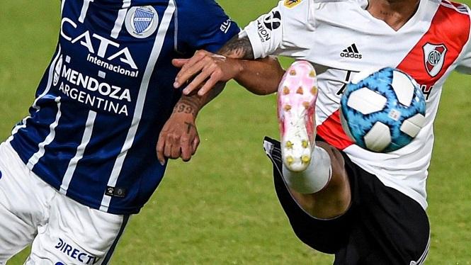 Hoy River juega en Mendoza