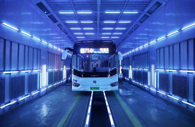 China Gunakan Teknologi Sinar UV sebagai Disinfektan Bus