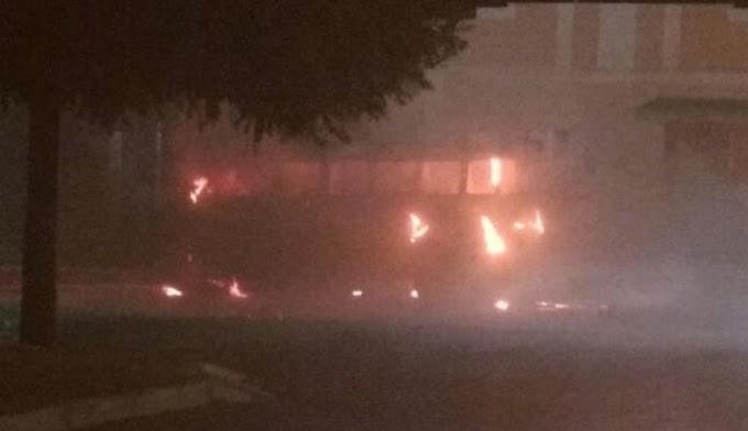 O TERROR CONTINUA NO INTERIOR DO RN, Carros são incendiados em Currais Novos e Florânia