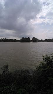 Yang Semai Kebanjiran, Yang Panen Anjlok Harganya