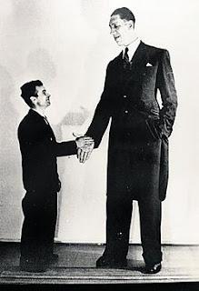 manusia-paling-tinggi-dunia