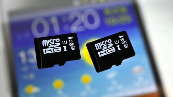 Alasan Mengapa Baterai Android Yang Bisa Dilepas Lebih Penting dari MicroSD Yang Bisa Dilepas